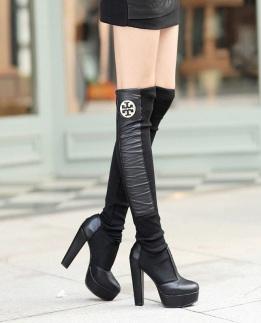 meias-botas de couro ecologico pretas