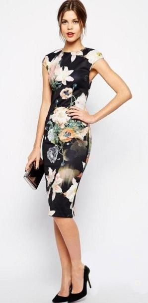 vestido preto floral tubinho