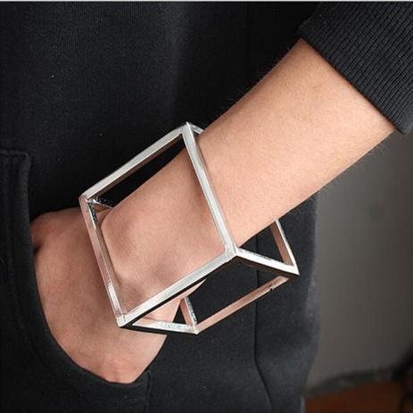 bracelete cubo prateado