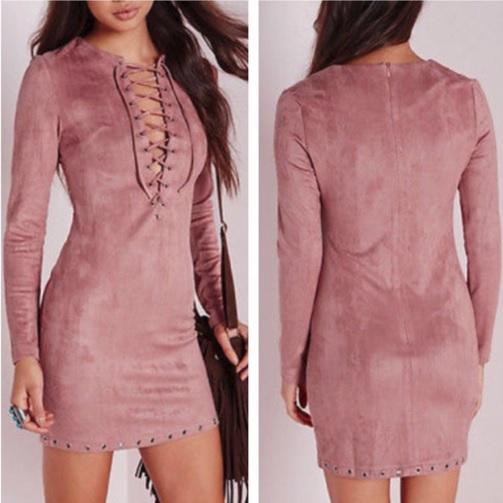 vestido de suede rosa decote trançado