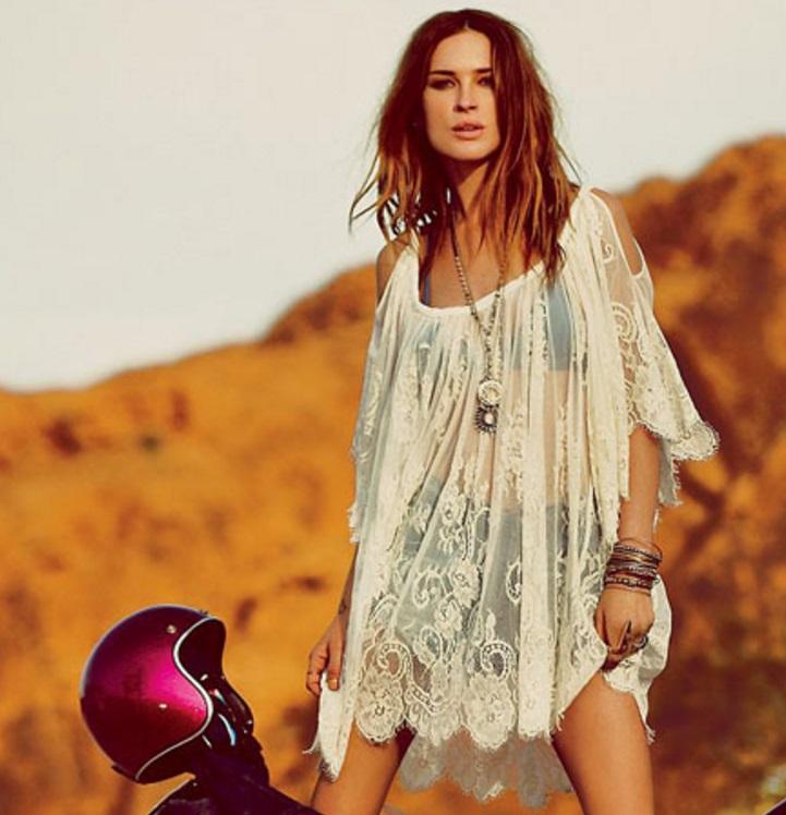bata vestido de renda saida de praia bege