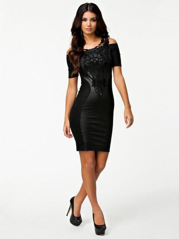 vestido preto couro