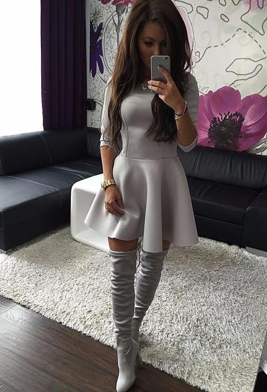 vestido princesa de manga evase cinza 2