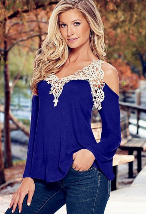 blusa-feminina-de-manga-com-renda-ombros-abertos-azul-roayl
