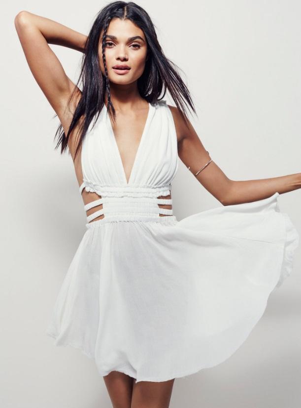 vestido-branco-com-fendas-na-cintura-reveillon