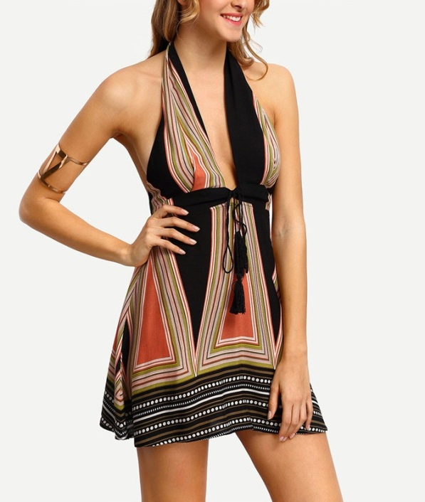 vestido-de-festa-decote-profundo-estampa-geometrica