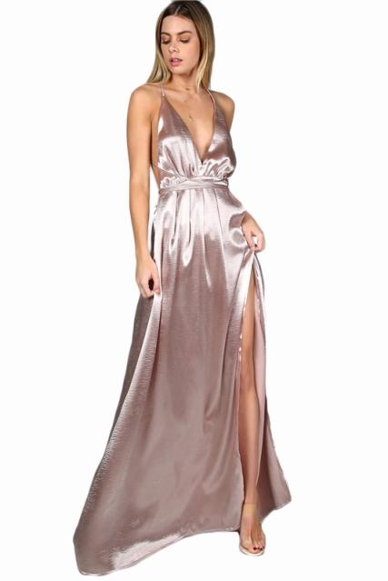 vestido longo de festa em cetim dourado
