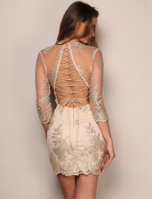 vestido de festa costas nuas entrelaçadas dourado