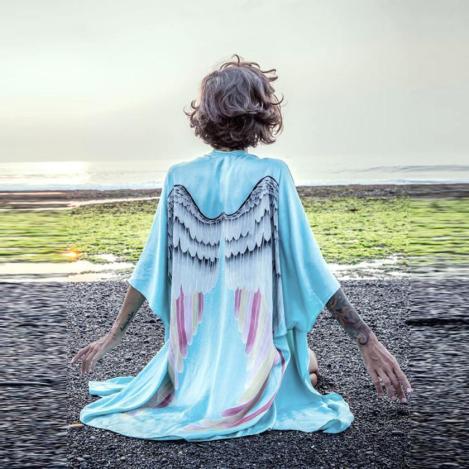 Kimono Asas de Anjo Azul Água