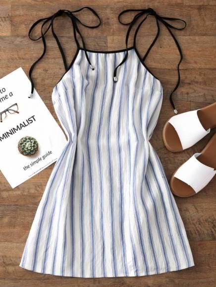 vestido curto listrado branco verão