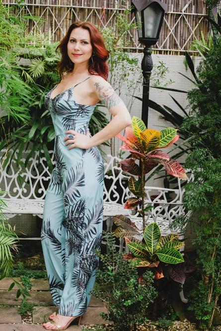 Macacão Tropical Azul Água decote v