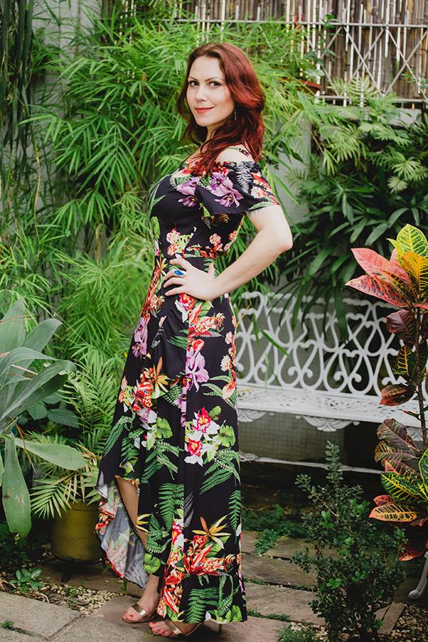 Vestido Longo Preto Floral Ciganinha Ombros a Mostra
